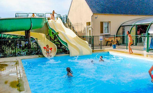 Vacances en famille à Brest : hôtel ou camping ?