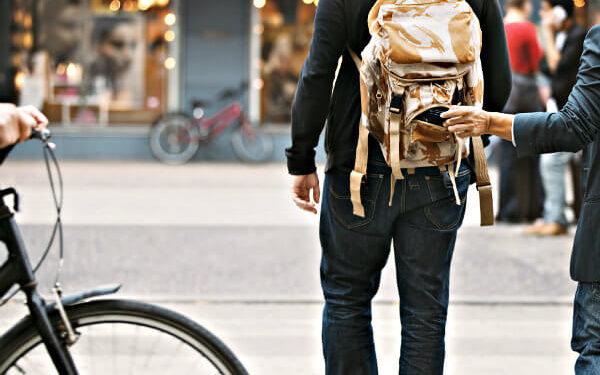 Voyageurs imprudents : les escroqueries qui peuvent vous coûter cher